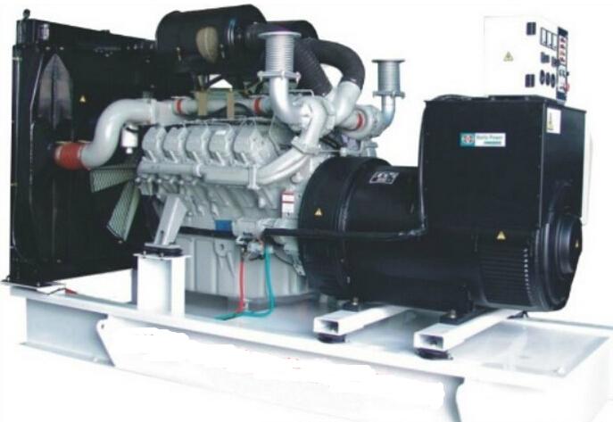 柴油发电机组控制屏的内部结构